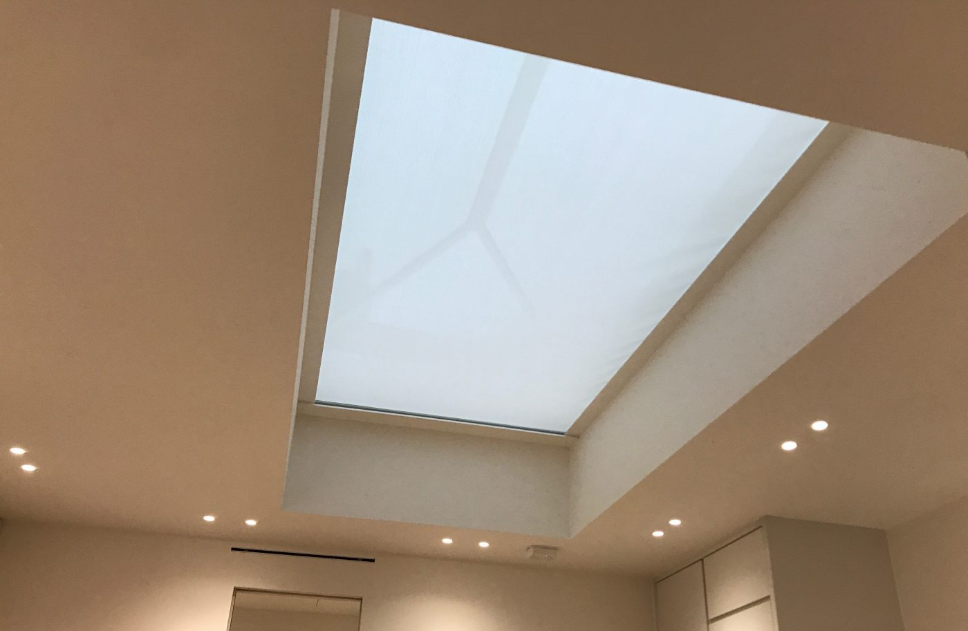 Roof Lantern Electric Blinds Fitted in Marylebone, London - Closed - The Electric Blind Company